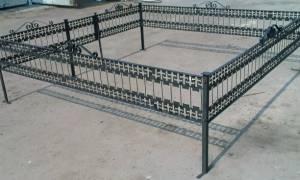 Особенности покраски ограды на кладбище