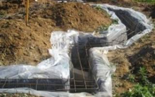 Подушка под фундамент обязательна или бетон в траншею сразу можно
