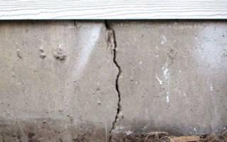 Появилась трещина на стене между окном и цоколем фундамент цел