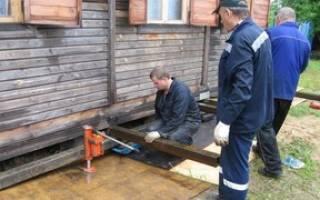 Поднять деревянный дом на силикатные блоки