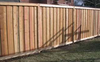 Можно ли отгородиться от соседей сплошным забором в частном доме?